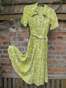 1940's BOXFRESH Viscose rayon chartreuse floral print vintage day dress.